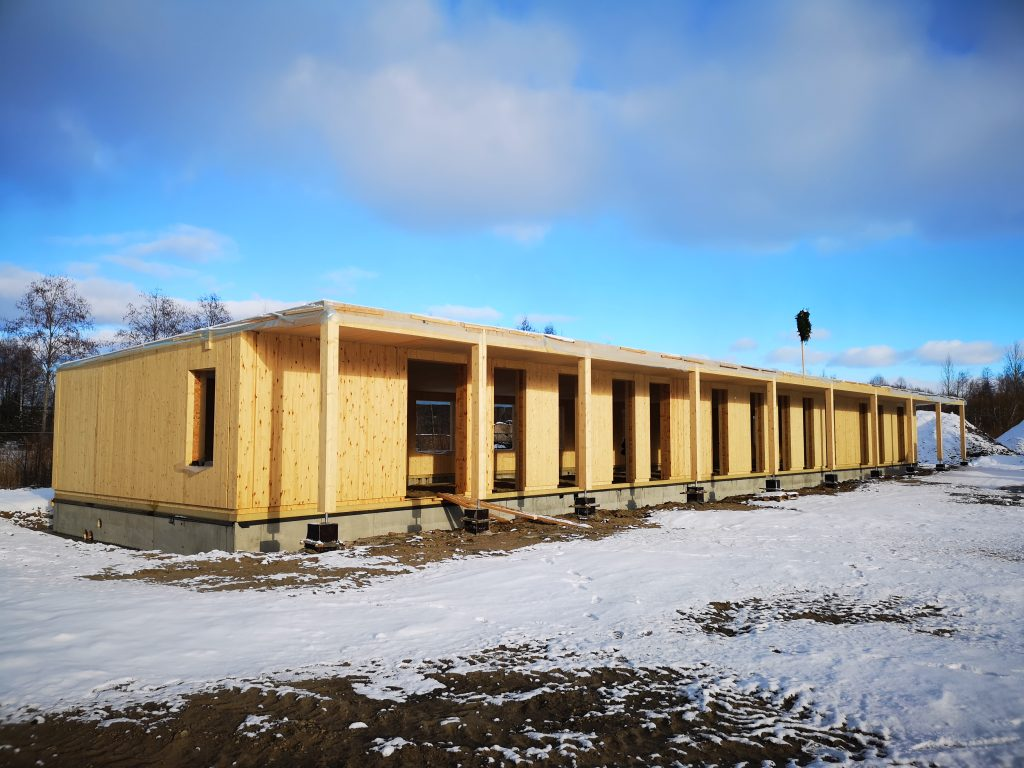 Assembly of prefabricated panels in 10 days ZAZA TIMBER Office building